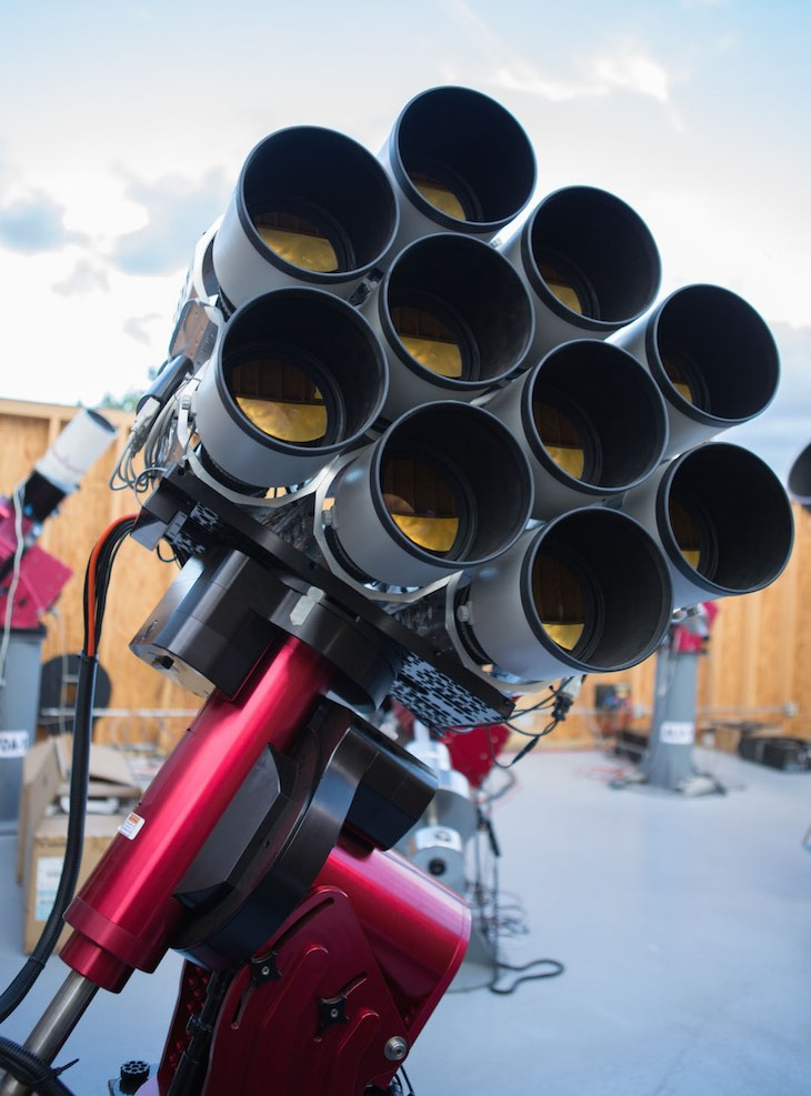 "Canon EF 400mm F/2.8L IS II Lenses Used To Discover A New ""Dark Galaxy"" With Dragonfly Telephoto Array"