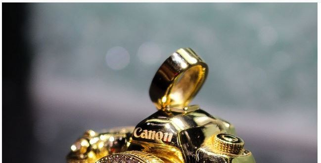 Want A 14K Gold Canon EOS 5D Mark III Pendant With Diamonds?